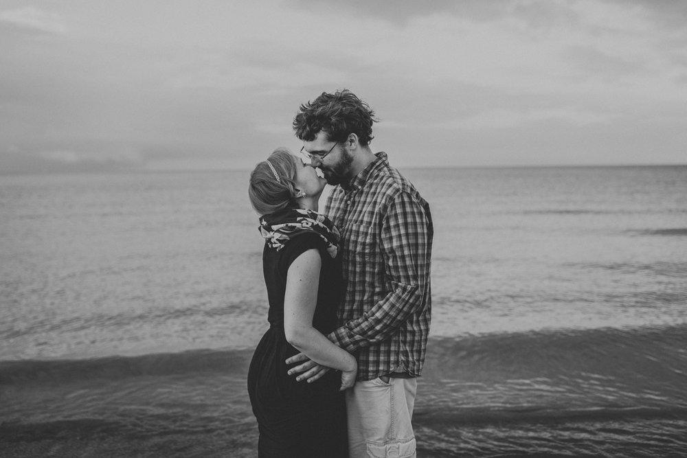 cedar-point-beach-sandusky-ohio-engagement-photography-2