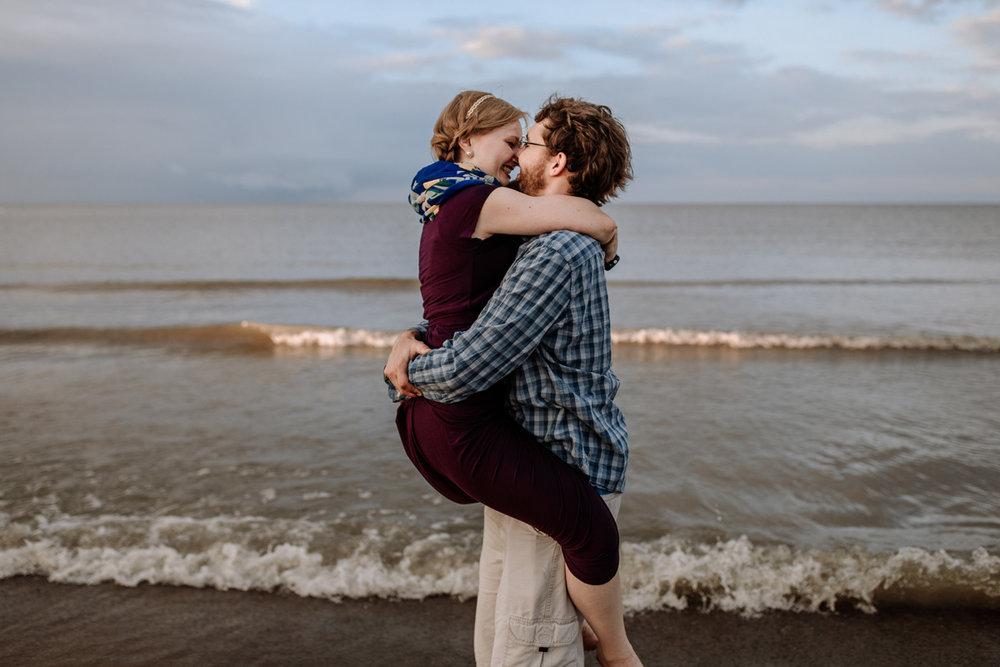 cedar-point-beach-sandusky-ohio-engagement-photography-8