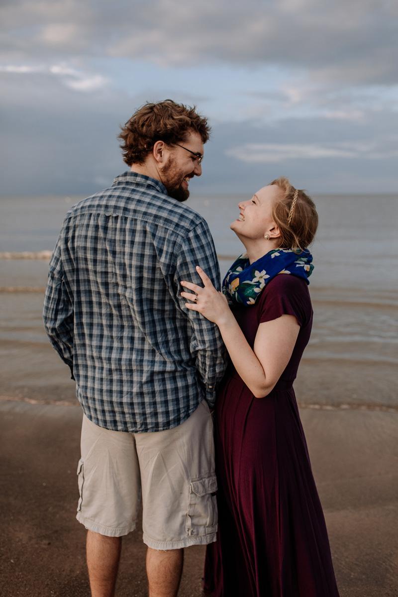 cedar-point-beach-sandusky-ohio-engagement-photography-10