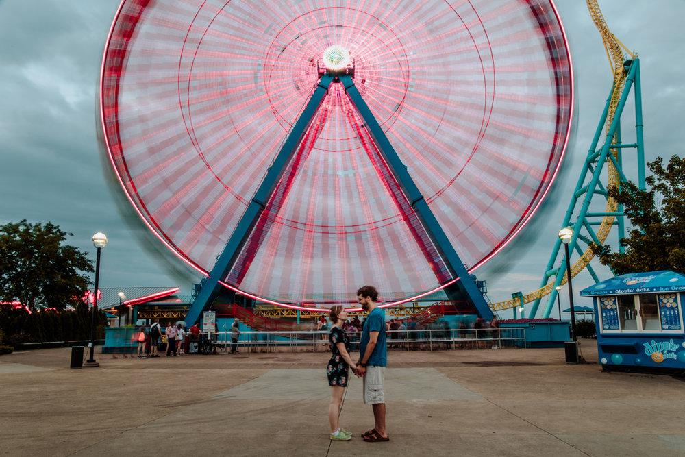 cedar-point-beach-sandusky-ohio-engagement-photographer-ferris-wheel