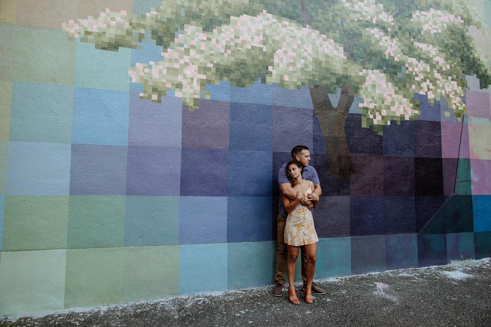 philadelphia-engagement-photography-murals