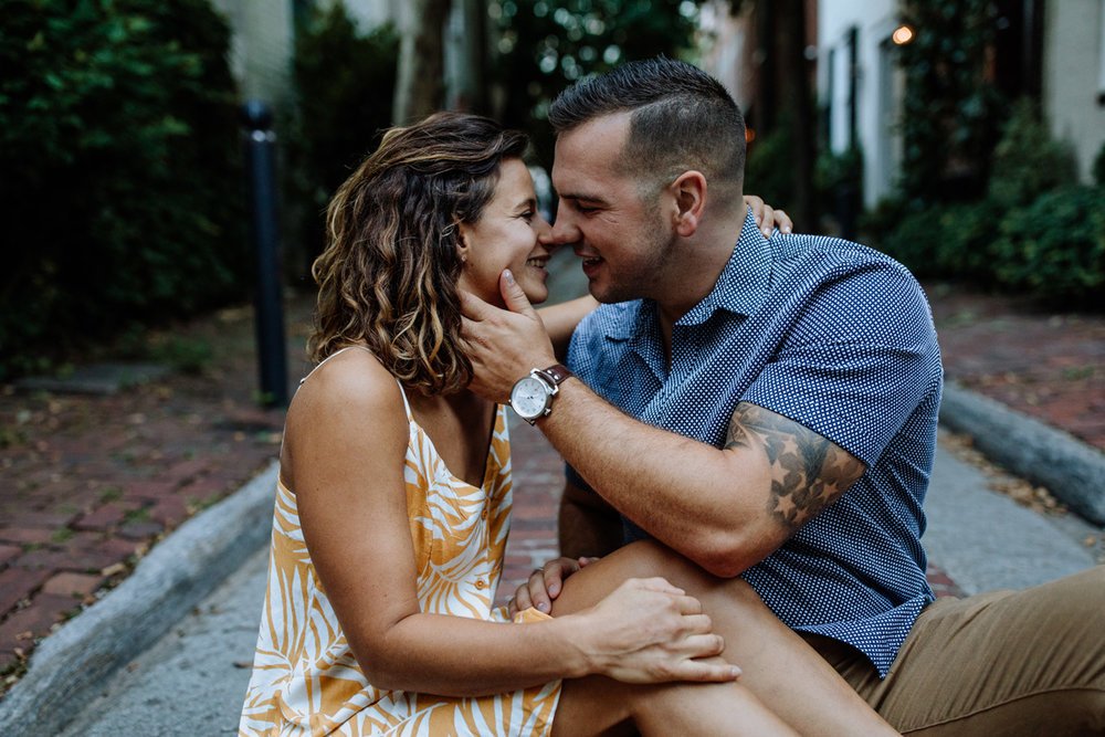 philly-city-engagement-photography-3