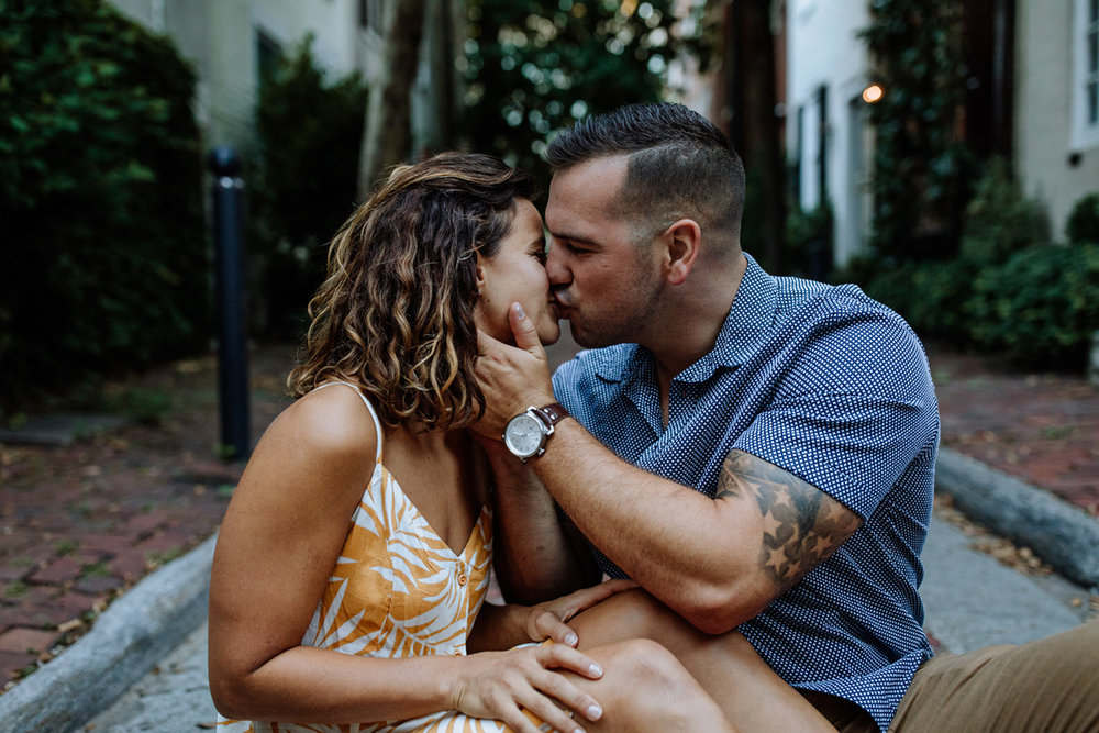philly-city-engagement-photography-4