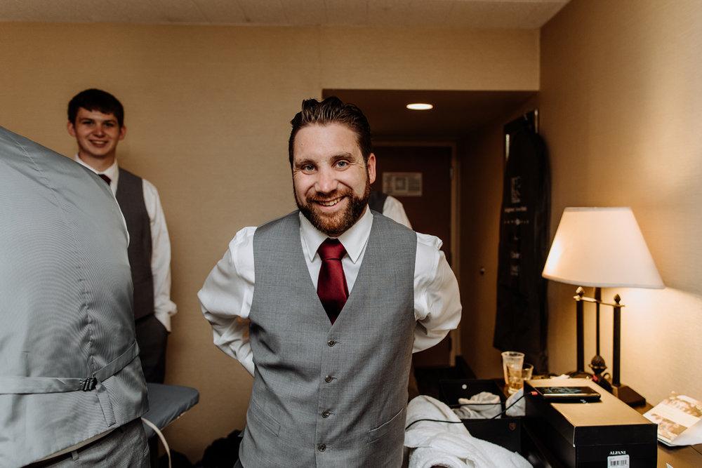 lehigh-valley-wedding-photography-groom