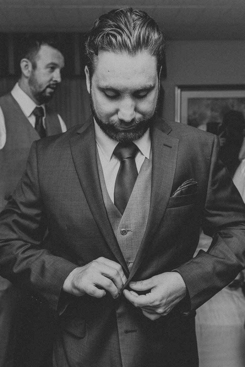 lehigh-valley-wedding-photography-groom-4