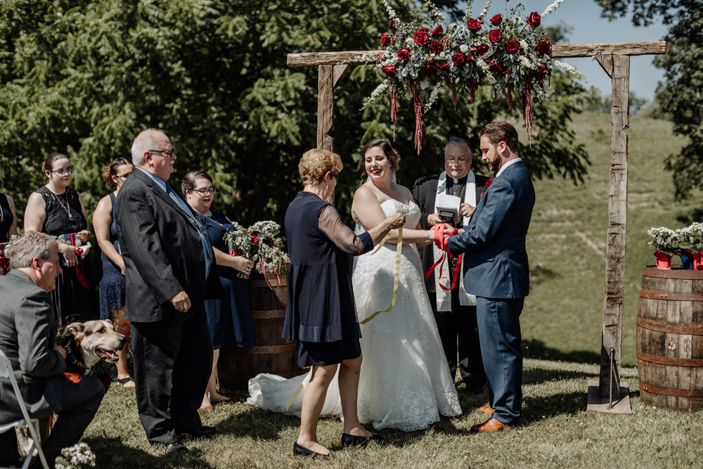 the-grove-at-kempton-wedding-photography-handfasting