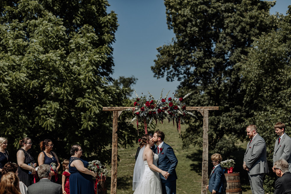 the-grove-at-kempton-wedding-photography-ceremony