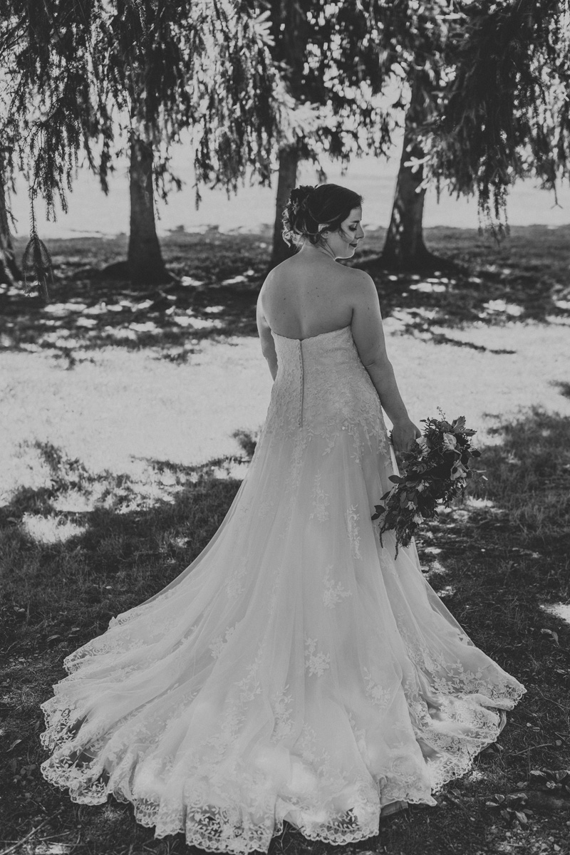 lehigh-valley-wedding-photographers-the-grove-at-kempton-bride-portrait-4