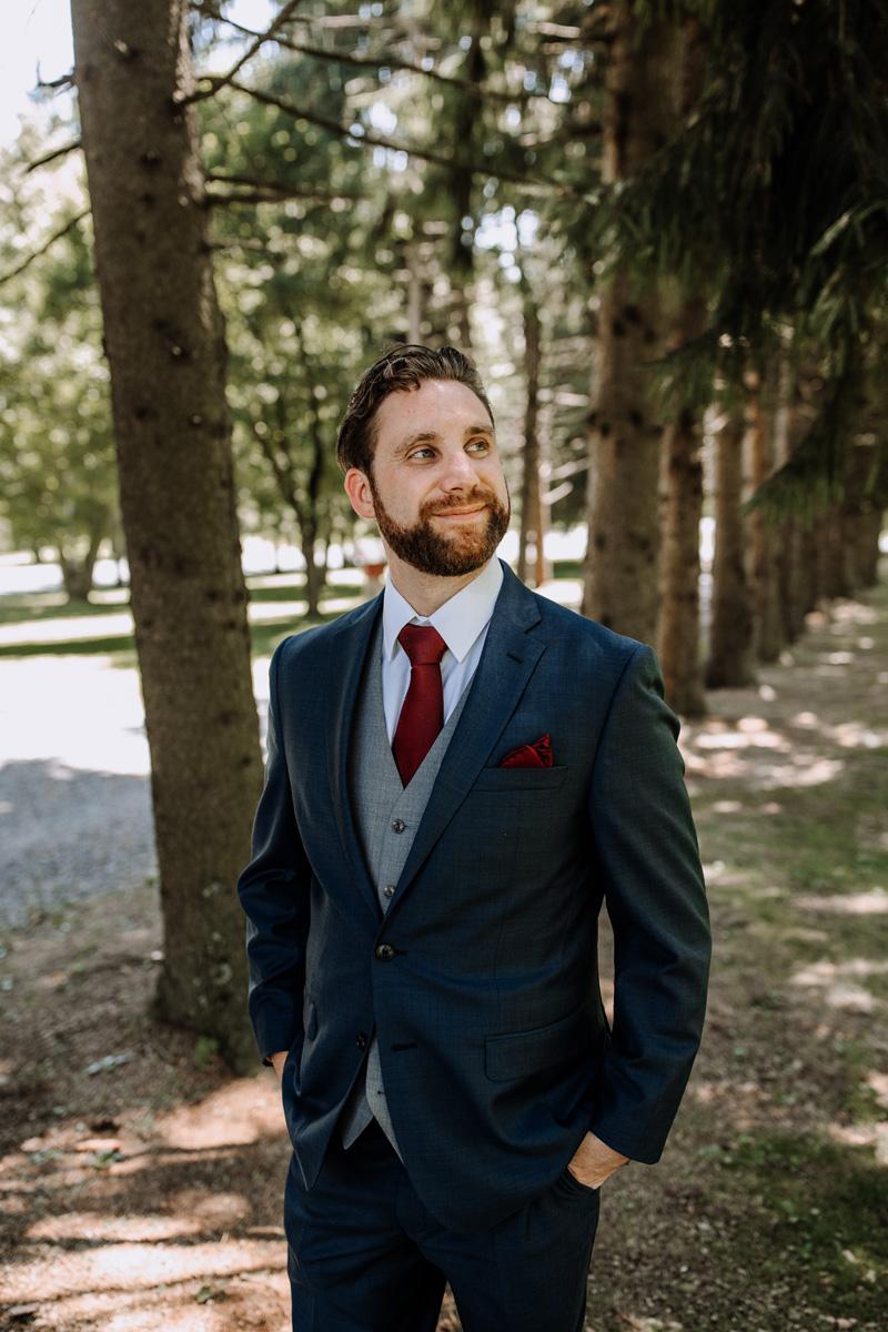 lehigh-valley-wedding-photographers-the-grove-at-kempton-groom-portrait-2