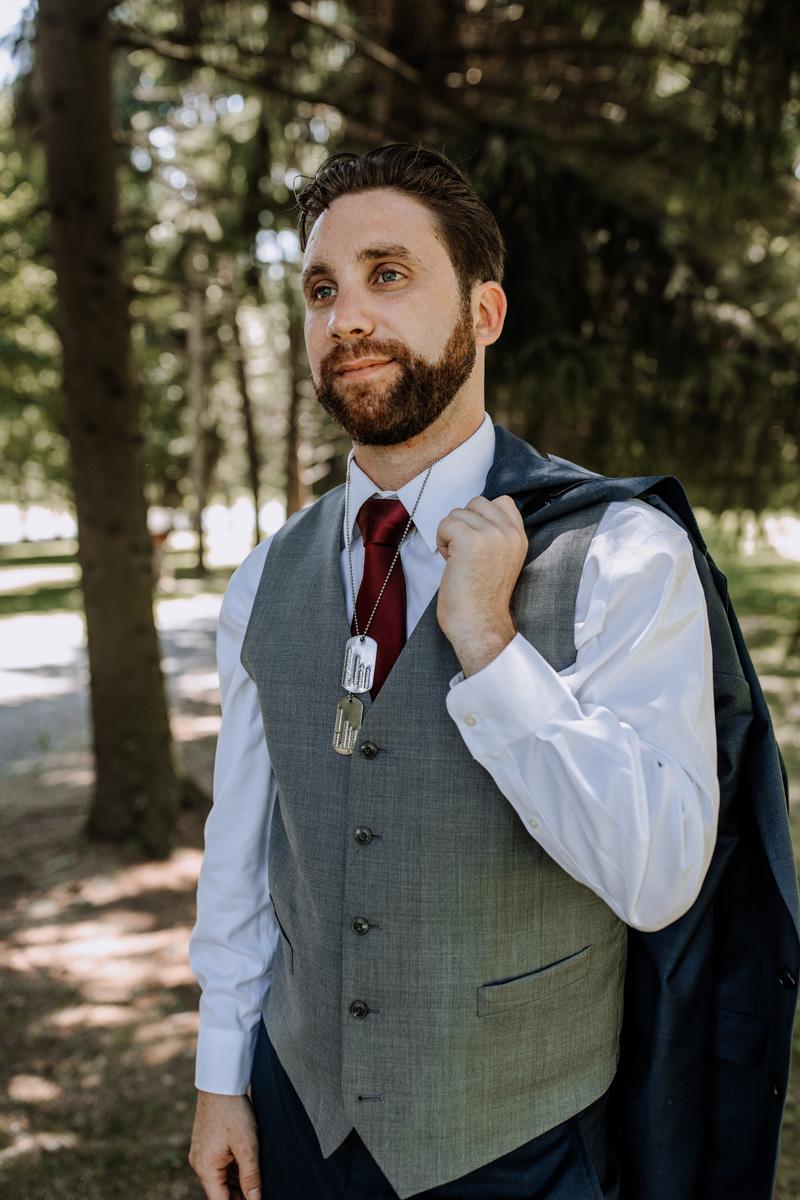lehigh-valley-wedding-photographers-the-grove-at-kempton-groom-portrait-3