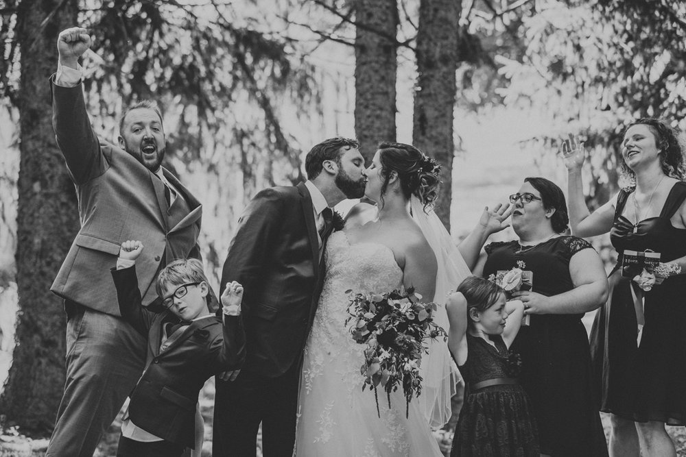 lehigh-valley-wedding-photographers-the-grove-at-kempton-party-portrait-2