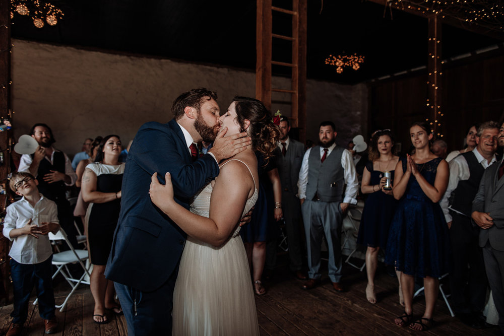 the-grove-at-kempton-wedding-reception-photography-2