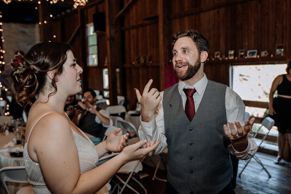 the-grove-at-kempton-wedding-cake-cutting