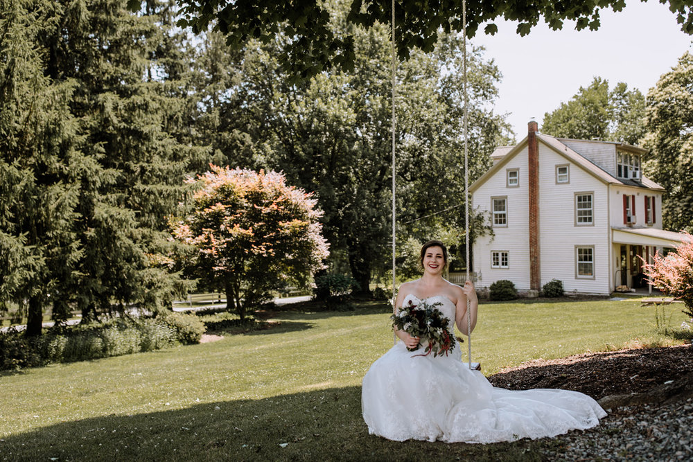 lehigh-valley-wedding-photographers-the-grove-at-kempton-bride-portrait