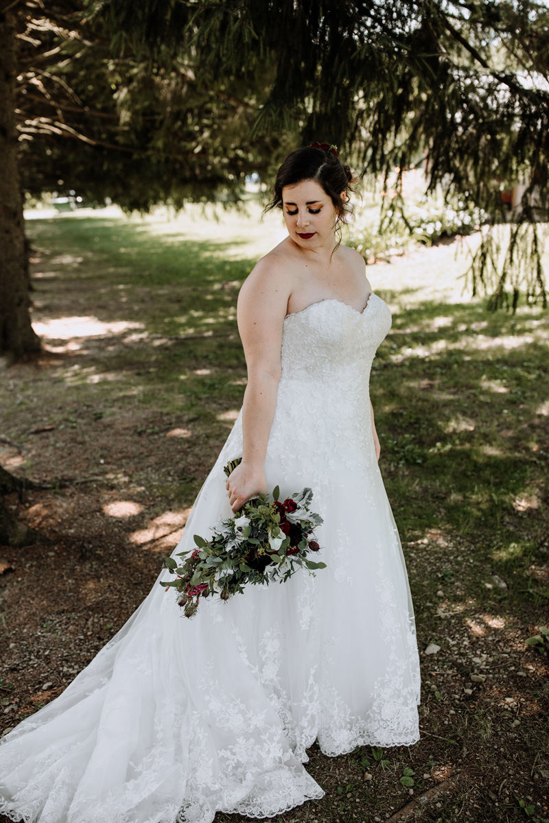 lehigh-valley-wedding-photographers-the-grove-at-kempton-bride-portrait-5