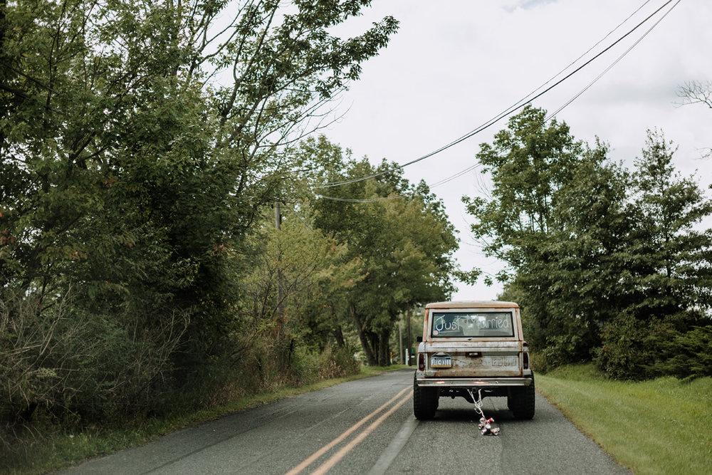 lehigh-valley-wedding-ceremony-photo-truck