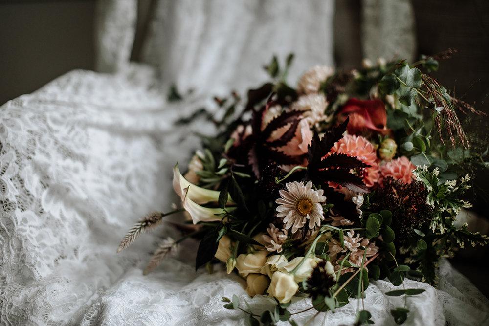 philadelphia-wedding-photographer-bouquet