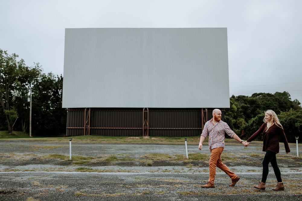 lancaster-pa-engagement-photographer-drive-in