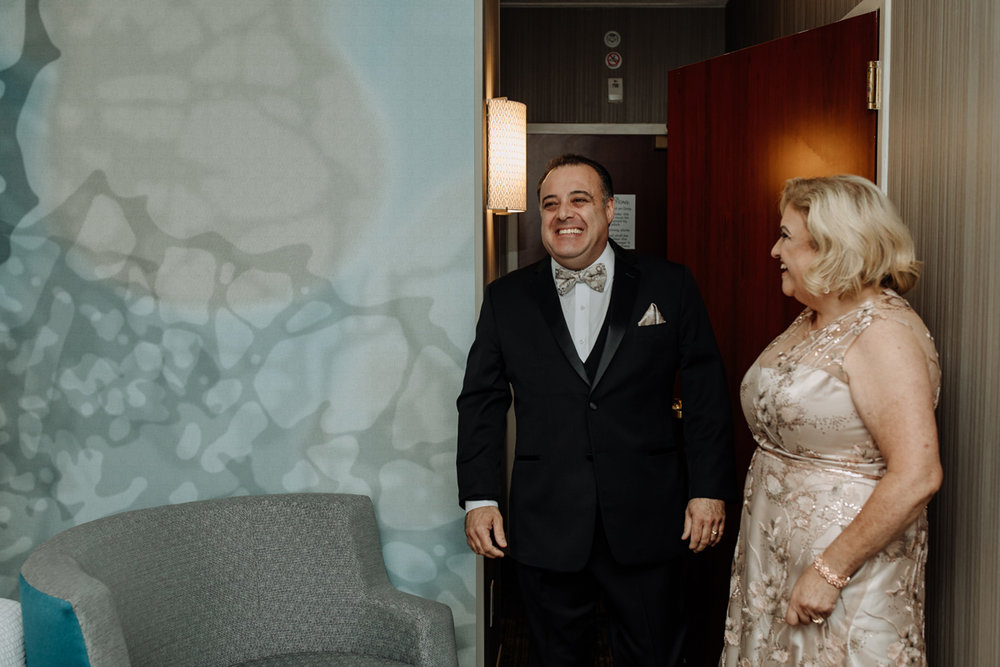 new-jersey-comfort-suites-wedding-photography-dad-first-look