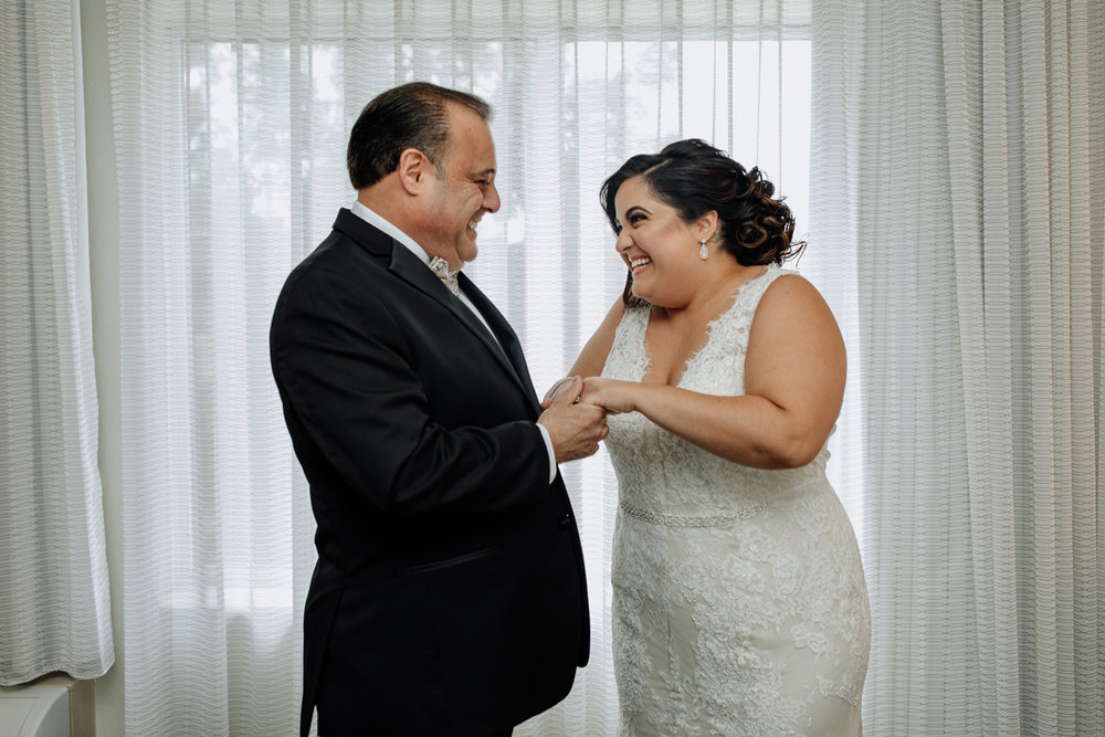 new-jersey-comfort-suites-wedding-photography-dad-first-look-3