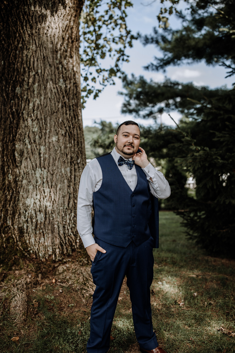 the-forest-lodge-wedding-photography-groom-portrait-2