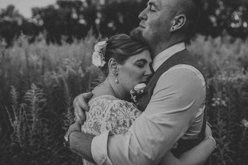 camels-hump-farm-wedding-portrait-photography-4