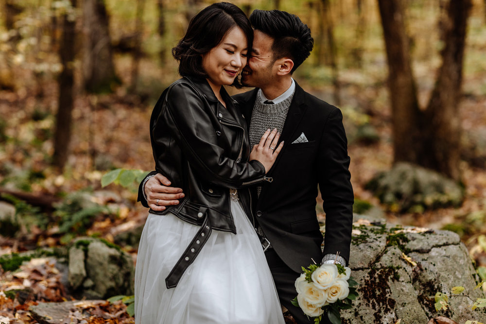 lehigh-valley-engagement-photographers-woods