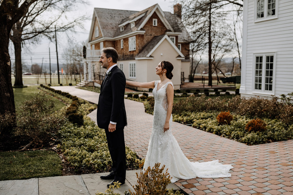 ryland-inn-father-daughter-first-look-photography