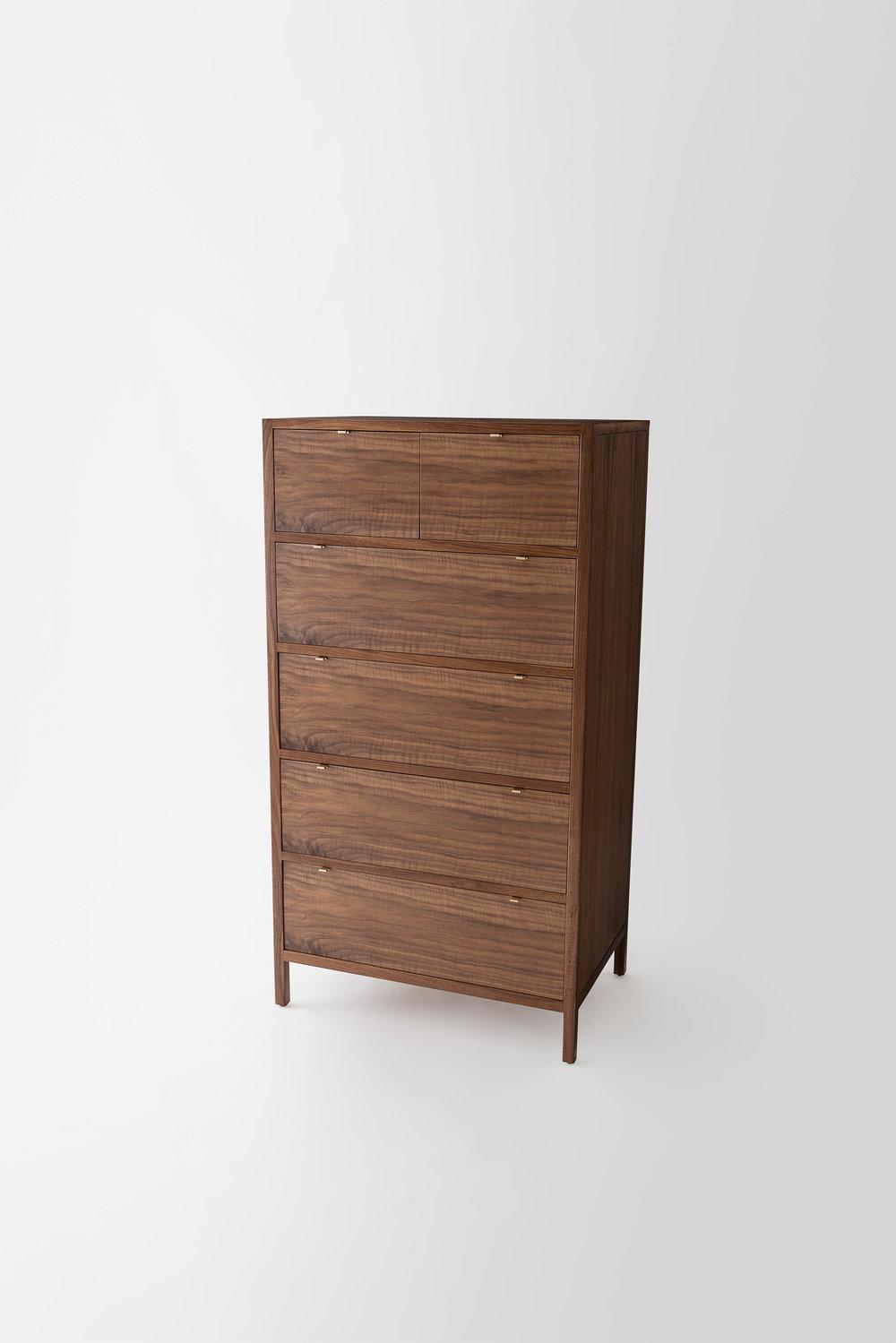 Laska.Dresser.3:4.jpg
