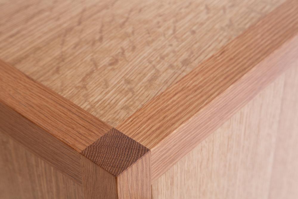 Laska.Oak.Sliding.Corner.jpg