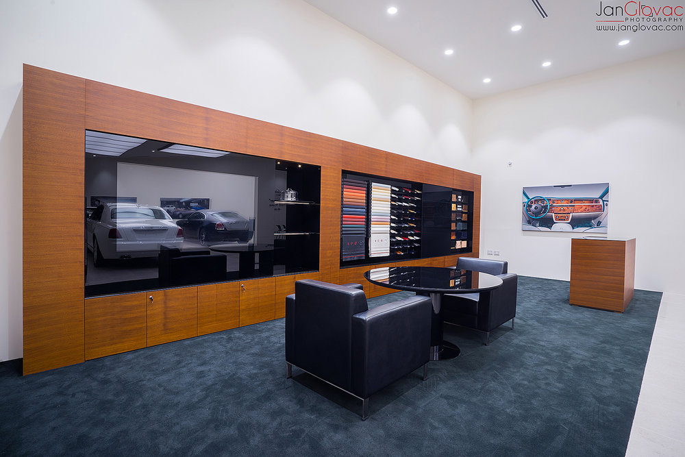 showroom_interior-5.jpg
