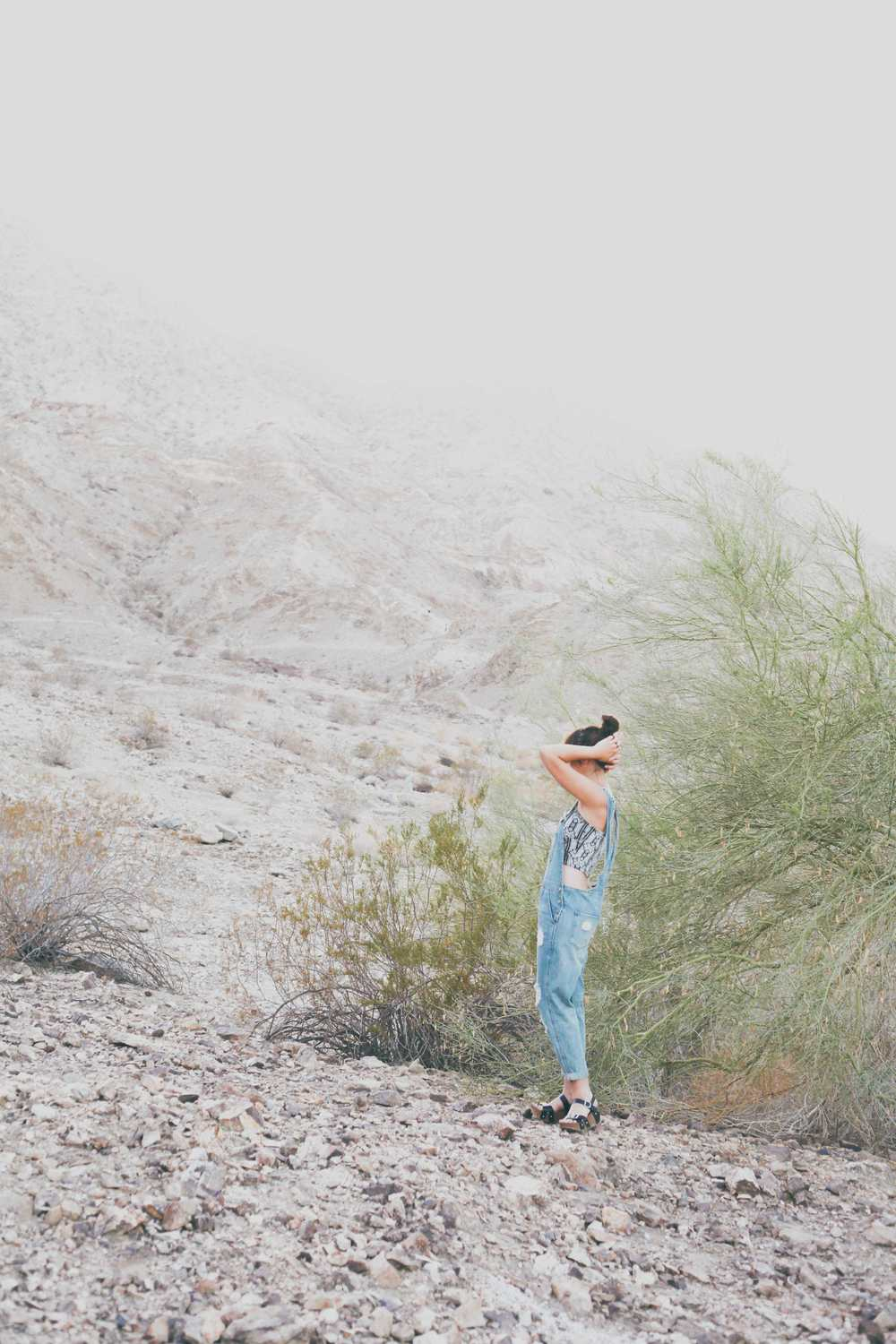 summer_desert_overalls_style_fashion_treasuresandtravels-6.jpg