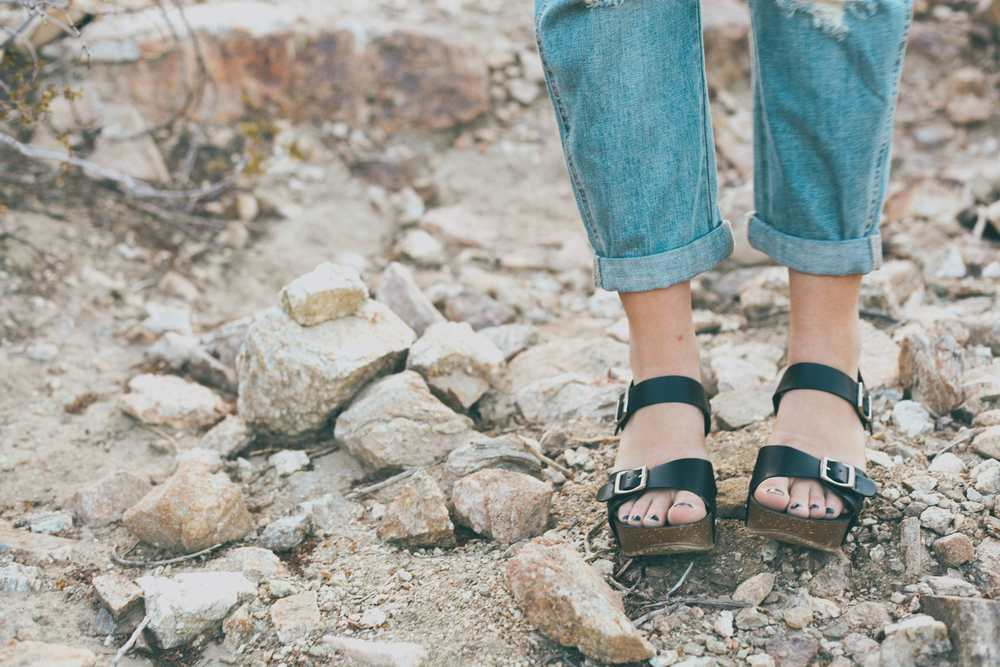 summer_desert_overalls_style_fashion_treasuresandtravels-23.jpg