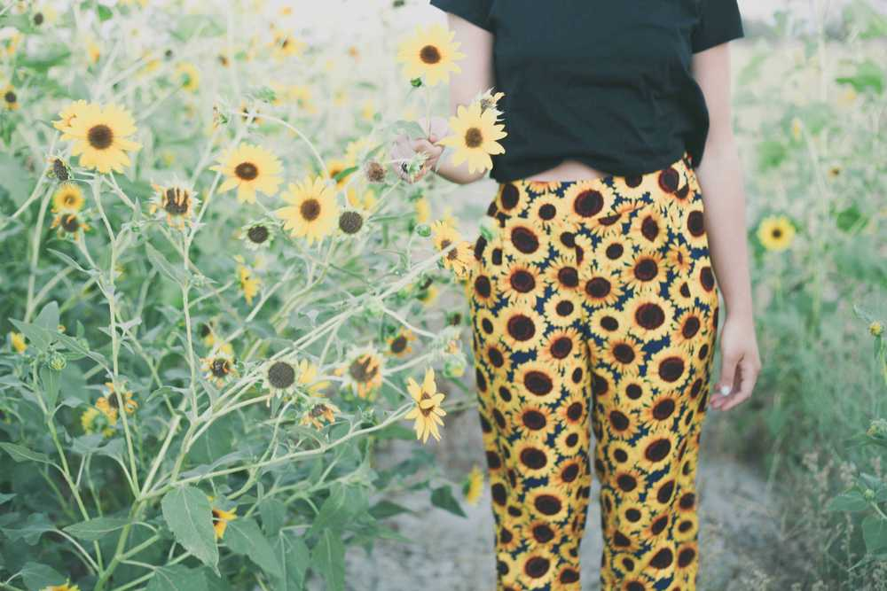 summer_desert_sunflowers_style_fashion_treasuresandtravels-2.jpg