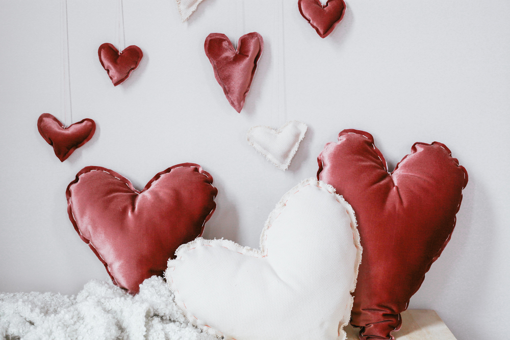 Valentine heart pillows DIY easy