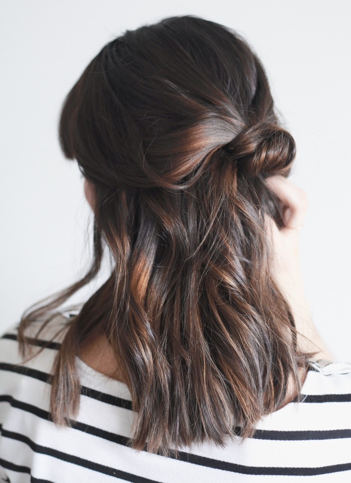 10 easy hairstyles treasures travels half up knot solutioingenieria Gallery