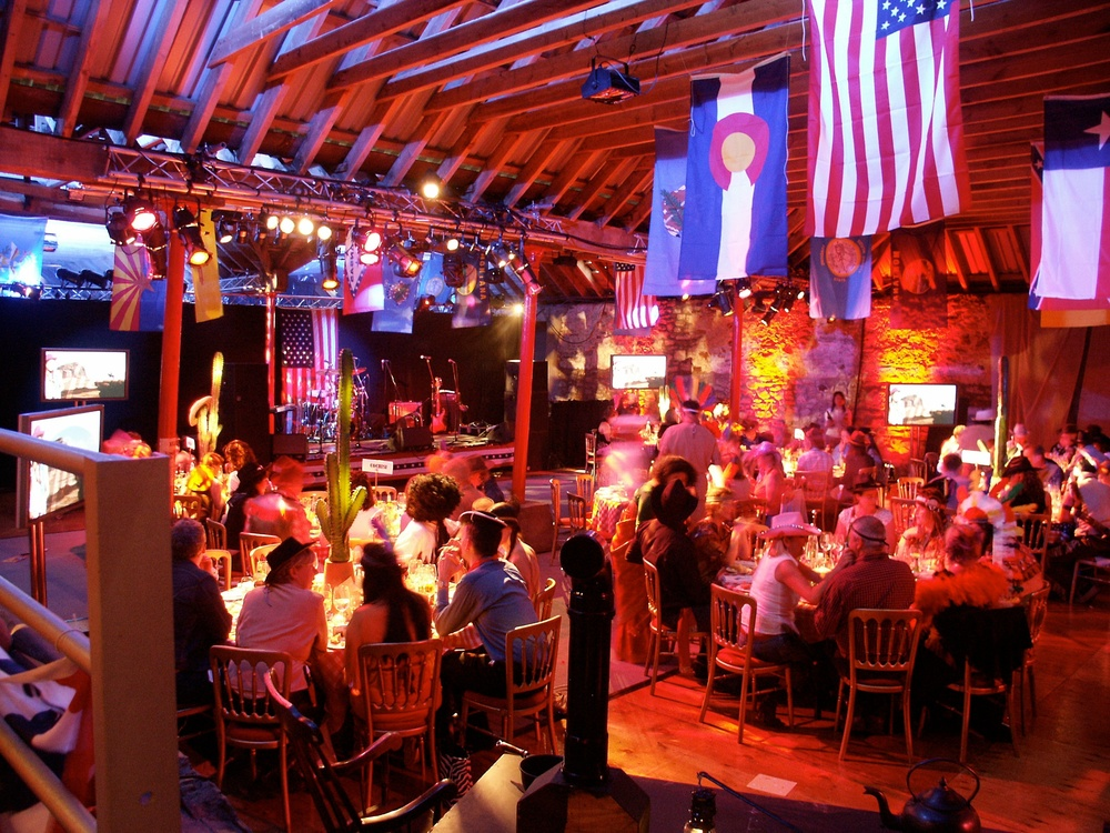 PZ02 - country and western - dinner 04.jpg