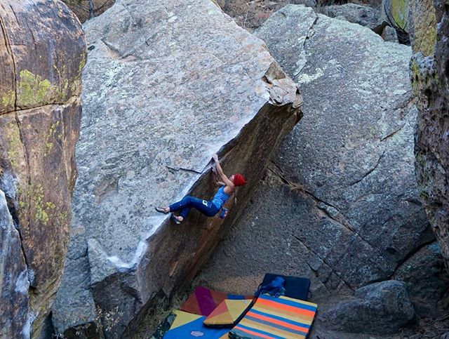 "Roy, New Mexico is a boulderer's paradise. Here's Flashed Ambassador @zozozo working her way up ""Try Angular, V6"" in the Jumbles. 📸@wilstone8  #flashed 