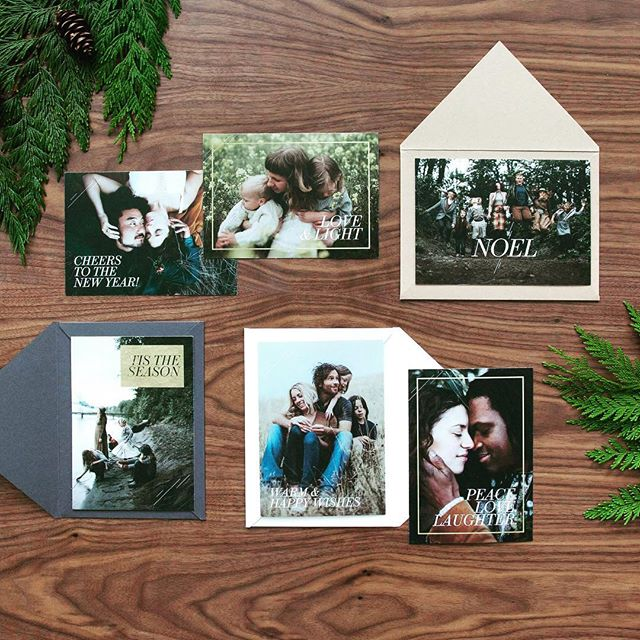 Have you begun thinking about your holiday cards this year? Every portrait collection I offer includes print credit to use in my shop! I've just got new card designs in for the season—and they're GORGEOUS. Book your family session now and receive an extra 15% discount on holiday cards! (Link in profile)