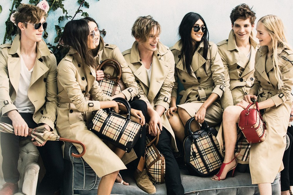 Burberry-Spring-Summer-2014-5-Vogue-16Dec13-pr_b_1080x720.jpg