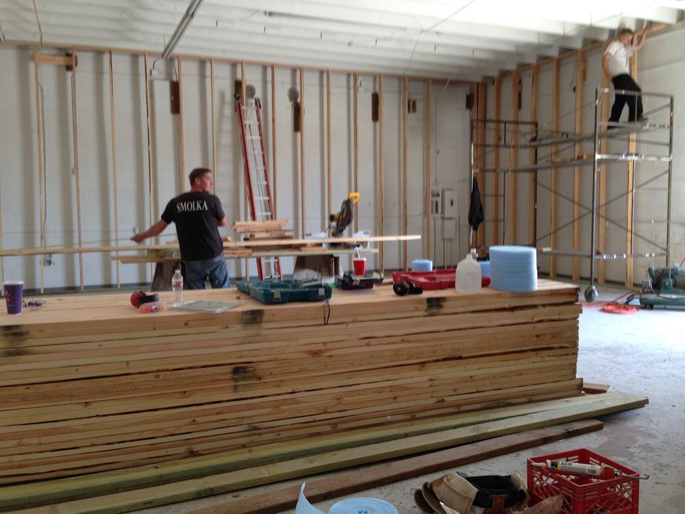 Studio Stage Construction TEN05