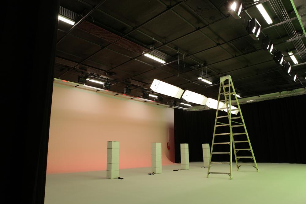 Sound Stage Cyc - Studio TEN05