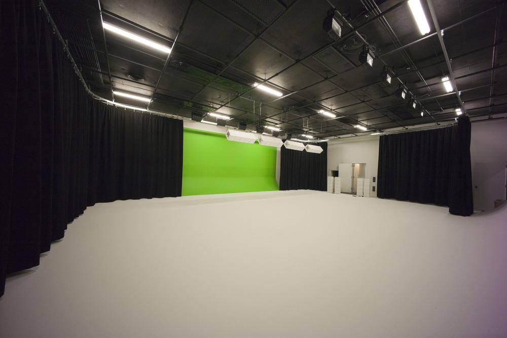 Studio TEN05 - Sound Stage
