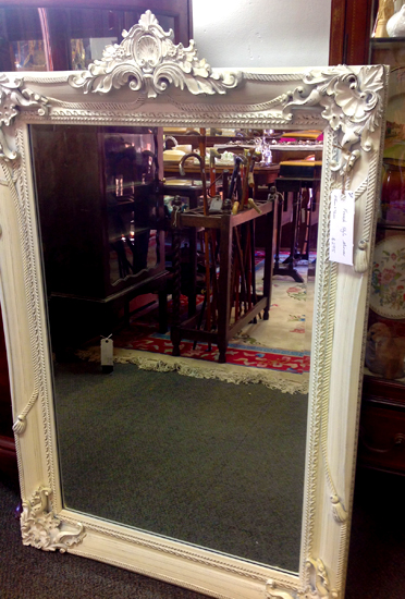 Various sizes, colours & styles of decorative mirrors