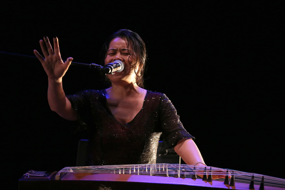 Xu Fengxia  on the guzheng.