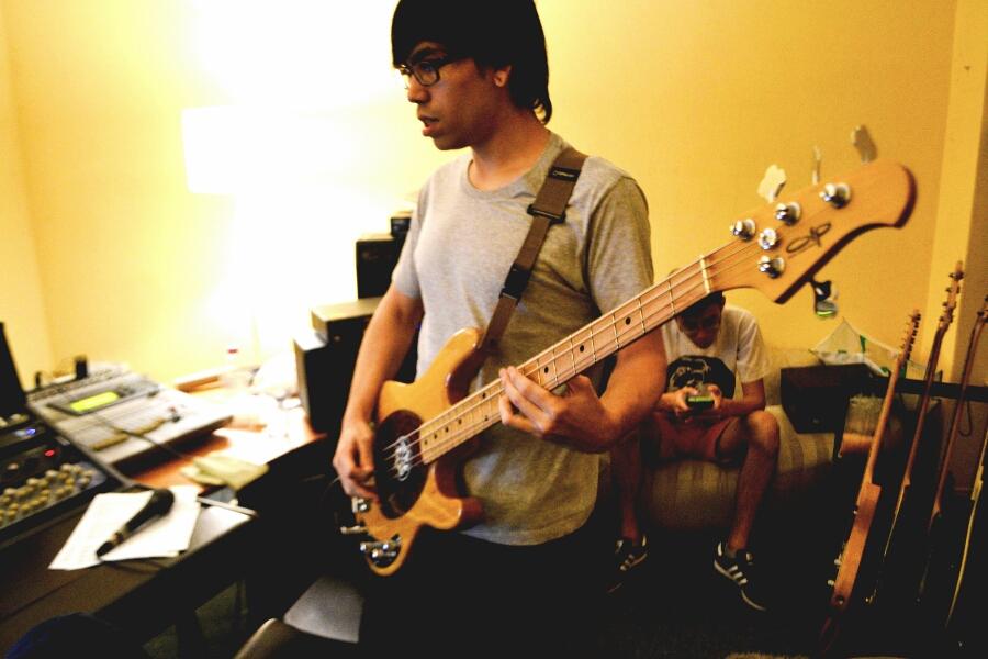 Axel, Bassist.