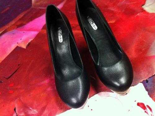 Anna_Lidstrom_DIY_FlowrShoes1.jpg