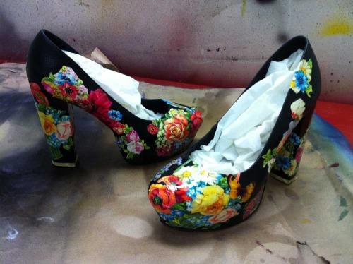 Anna_Lidstrom_DIY_FlowrShoes10.JPG