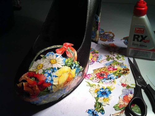 Anna_Lidstrom_DIY_FlowrShoes8.JPG