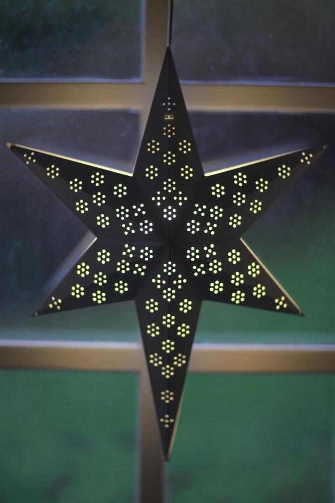 Anotherblog_Christmasdetails1.JPG